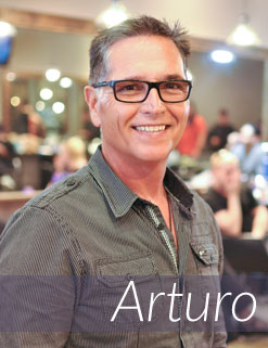 Arturo - Professional Hair Styling Expert at Avant-Garde Salon and Spa
