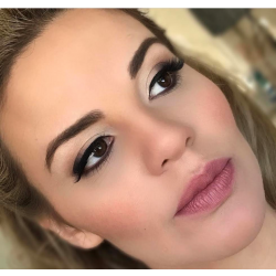 5 Tricks for Fuller Lips