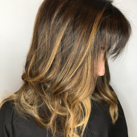haircut and blonde highlights