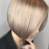 rose gold tones bob haircut